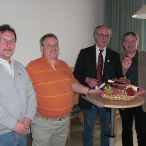 vlnr Ralf Bender, Karl Heinrich Neuschäfer, Dr. Reinhard Kubat und Bürgermeister Woflgang Gottschalk