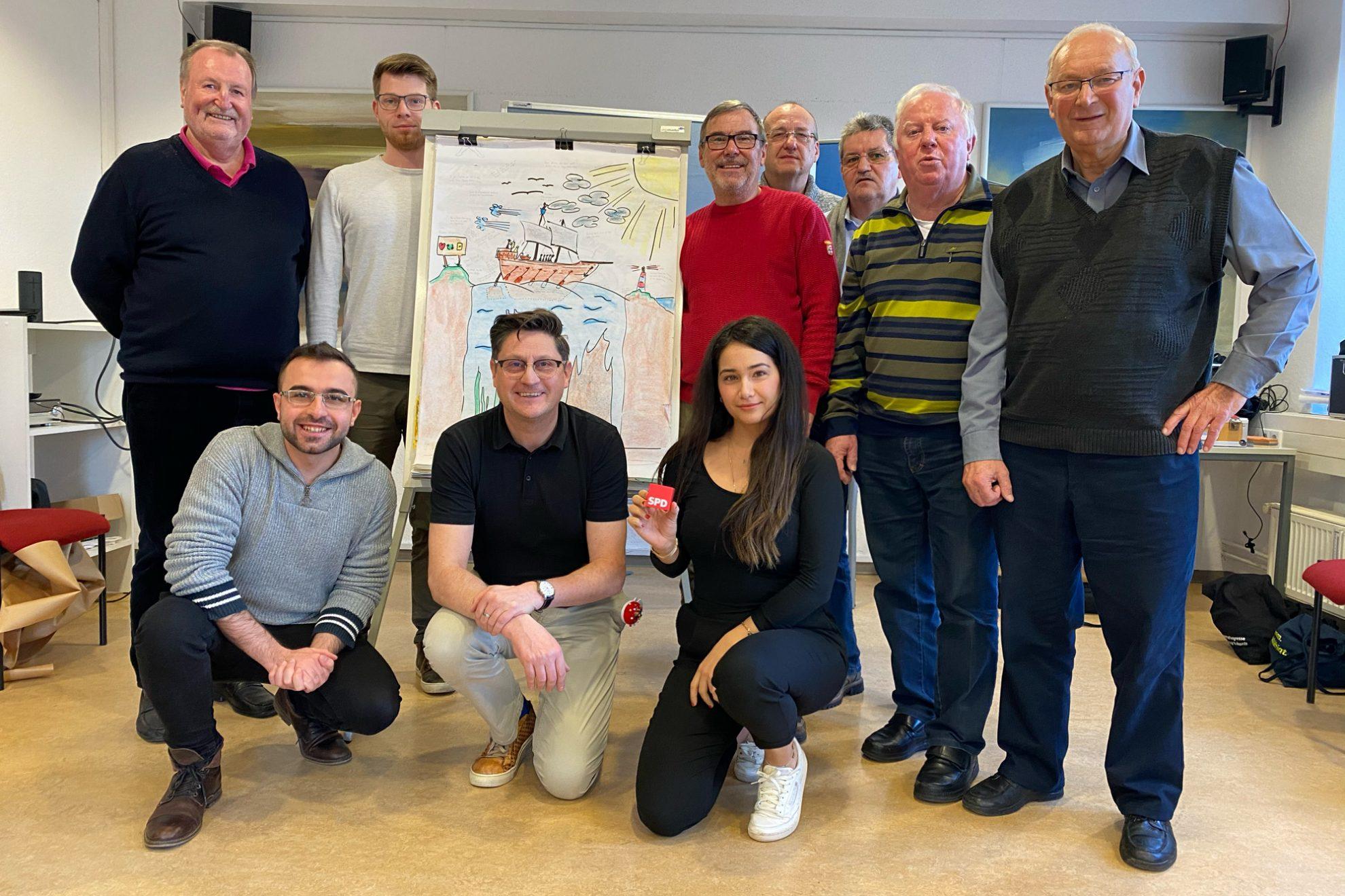 Das Bild zeigt einige der Teilnehmer mit dem Trainer Tom Briefs.